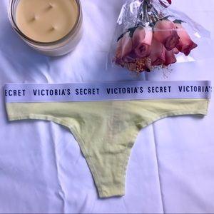 Victoria's Secret Intimates & Sleepwear - Victoria's Secret Thong💕
